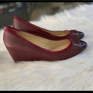 Coach Heath leather wedge and trim size 9B in wine